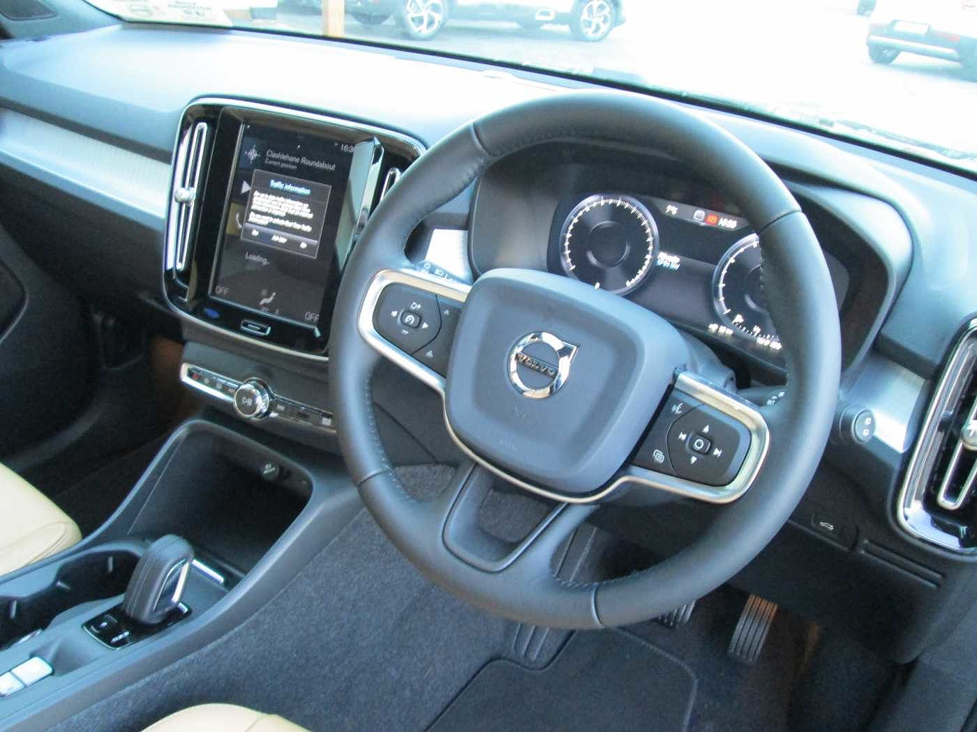Volvo  T3 Momentum Auto (Volvo On Call, City Safety, Leather Seats)