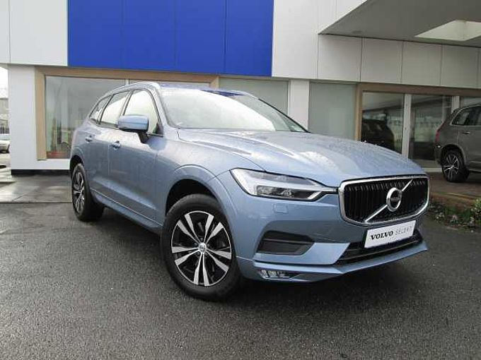 Volvo XC60 II D4 Momentum Pro (Parking Camera, Adaptive Cruise Control, City Safety)