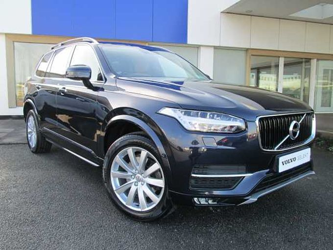 Volvo XC90 II D4 MOMENTUM (Heated seats, Integrated Booster Cushion, City Safety)