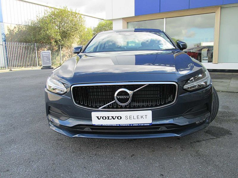 Volvo  D3 Momentum Pro Auto ( Reversing Camera, Sat Nav, City Safety)