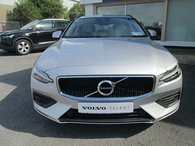 Volvo  D3 Momentum Automatic(City safety, Auto, Adaptive Cruise Control)