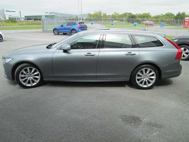 Volvo  D4 Momentum Automatic